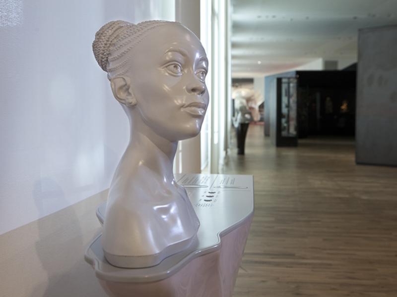 Buste tactile au Musée de l'Homme