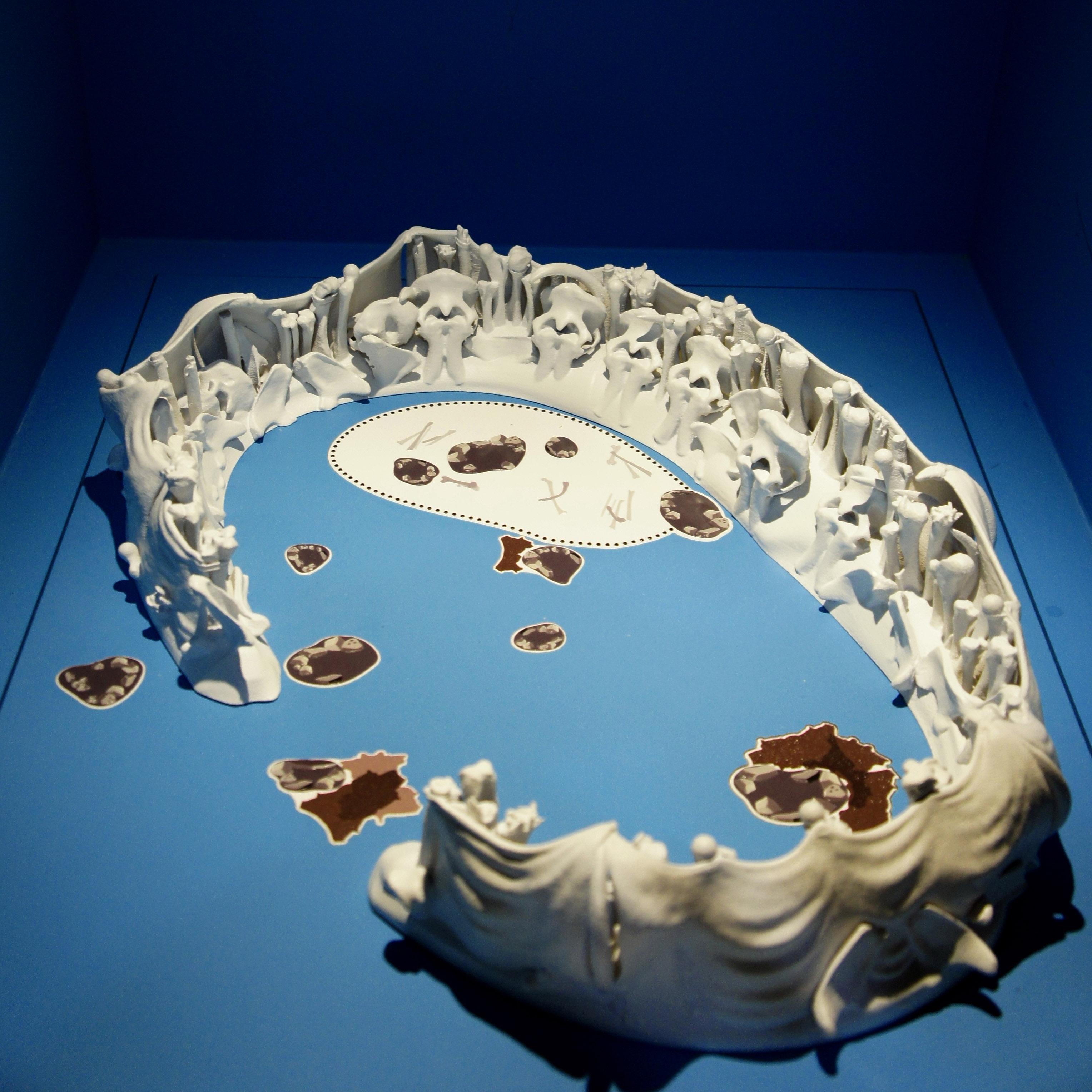 Maquette tactile accessible de l'abri Molodova, Exposition Neandertal au Musée de l'Homme